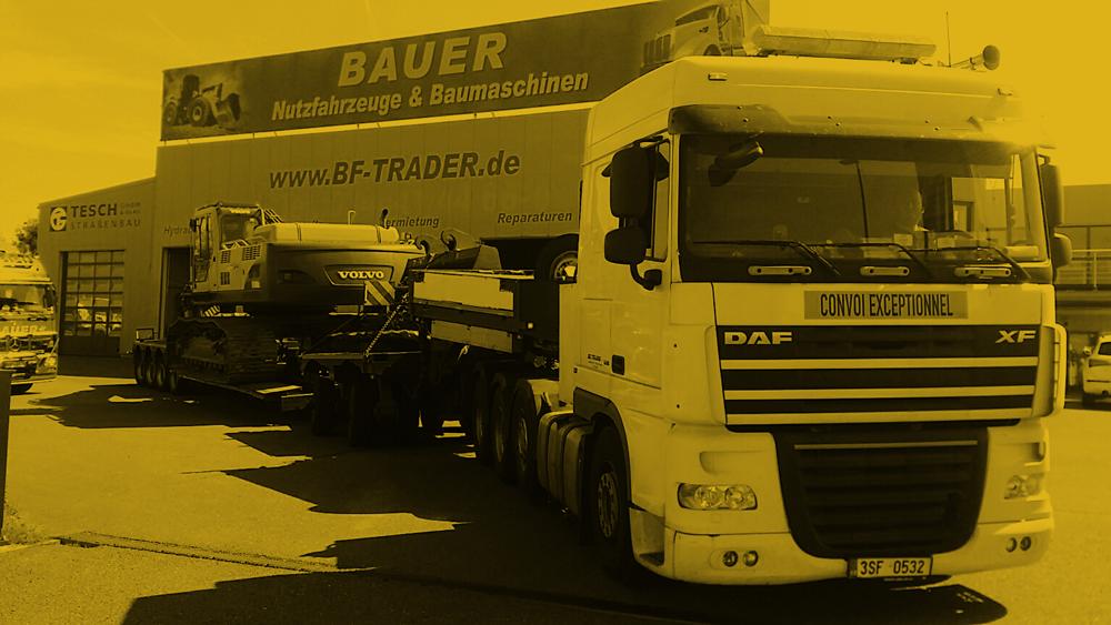 Bauer-LKW-Gelb